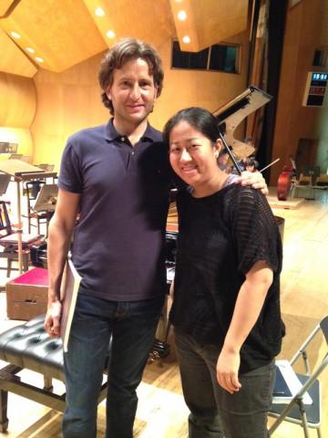 グスターボ・ヒメノ(指揮者)と小菅 優(ピアノ)