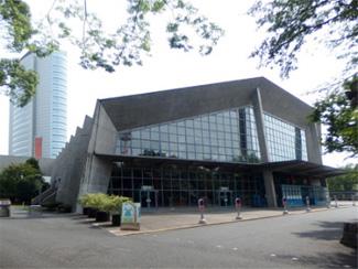 本拠地の群馬音楽センターと高崎市役所